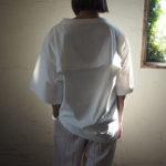 styling/オープンバックカットトップス&ボリュームコクーンドレス&NICOLAS LAINAS クロスフラットサンダル